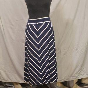 Midi Blue v striped skirt
